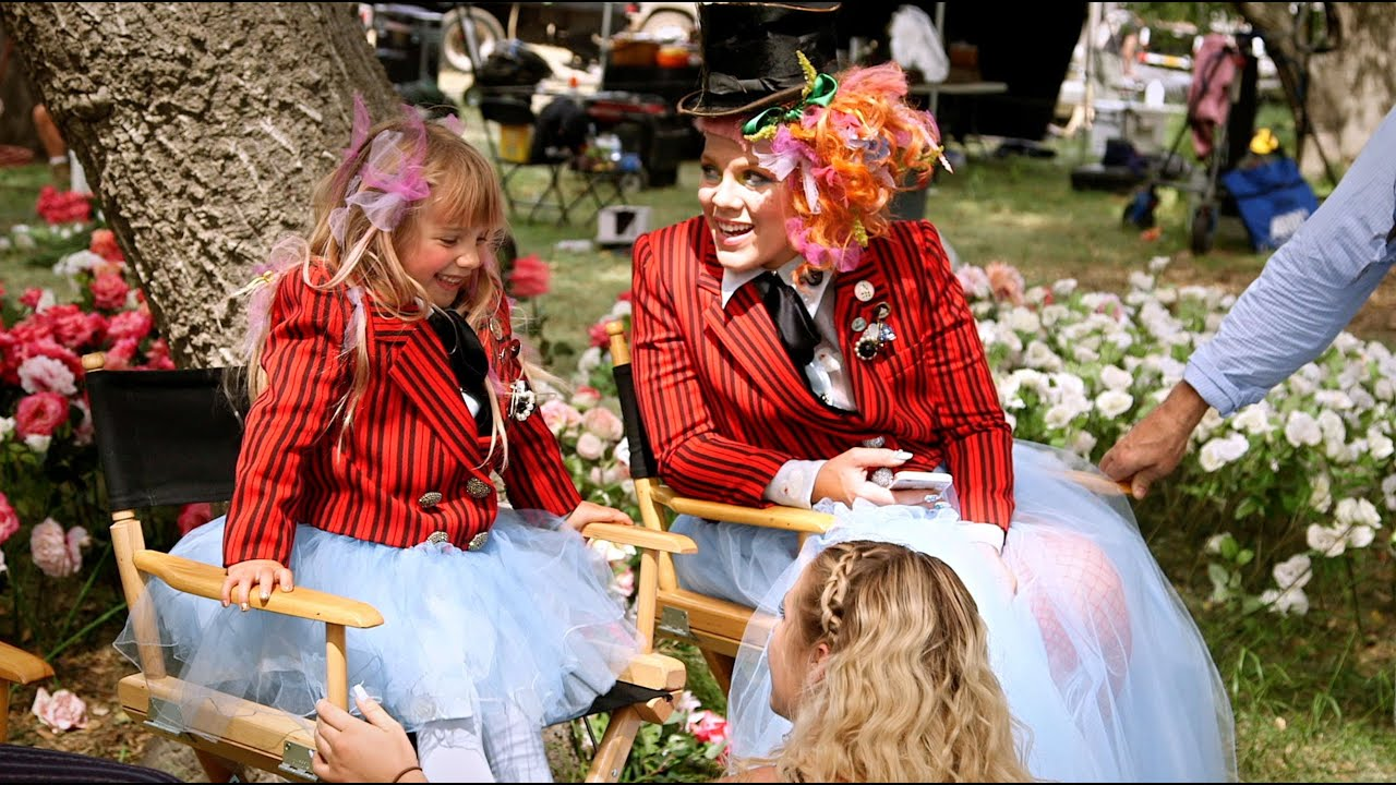 """Download Alice Through the Looking Glass - """"Just Like Fire"""" Behind the Scenes"""