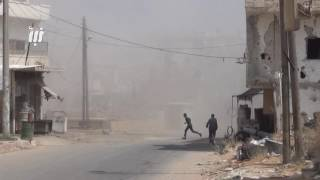 سقوط عدد من الجرحي جراء قصف أحياء درعا البلد بقذائف الهاون.