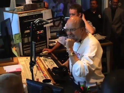 Ron Chapman: Final SignOff and Song on 987 KLUV