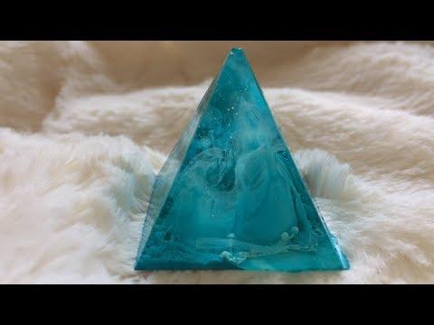 Aqua Resin Pyramids with Alcohol Inks!