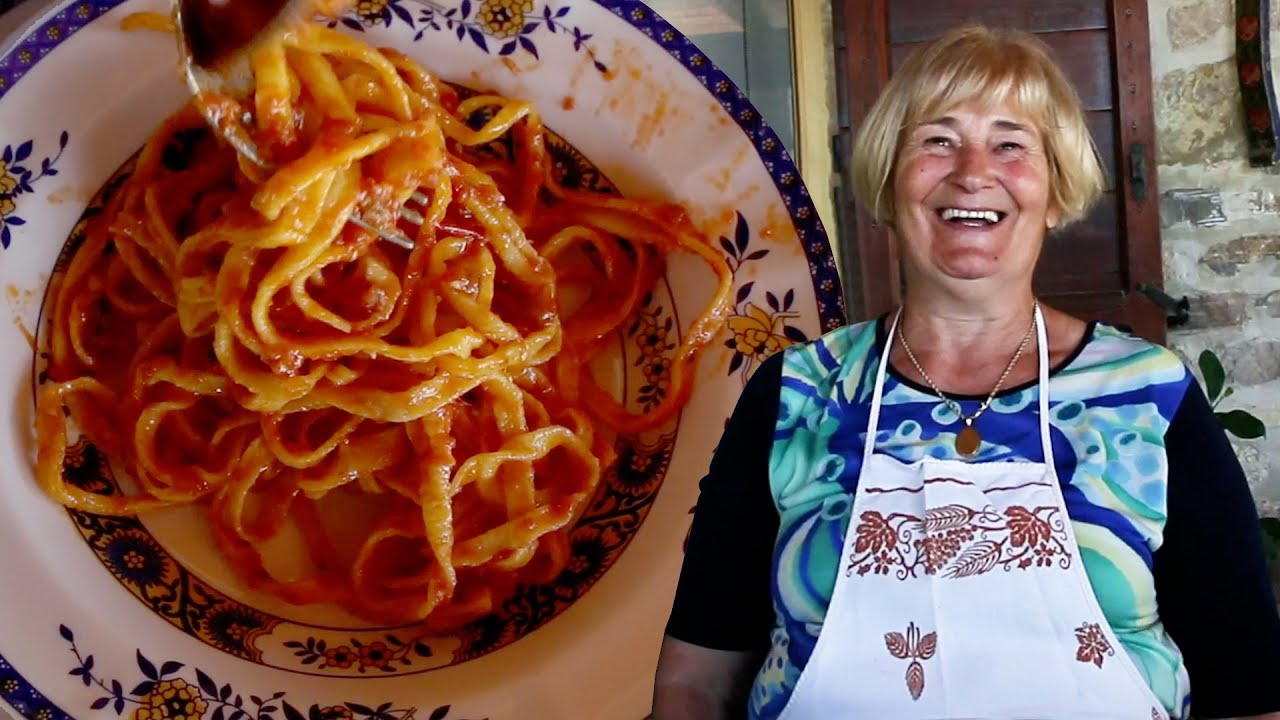 Pasta Grannies enjoys tagliatelle with chicken-flavoured ragù from Le Marche