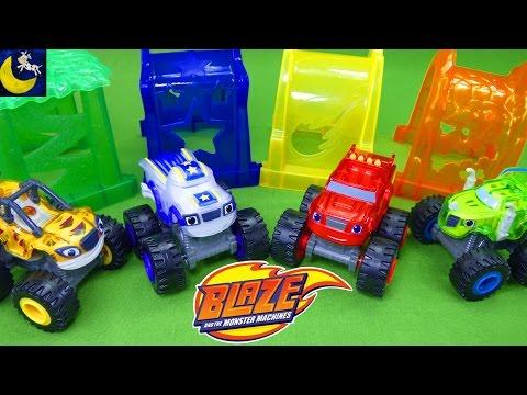 Blaze and the Monster Machines Toys Light Rider Darington Zeg Stripes Light & Launch Hyper Loop Set