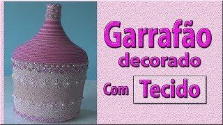Garrafão decorado com tecido