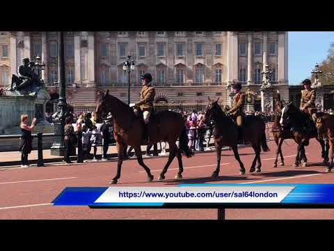 Changing the Queen's Guard at Buckingham Palace, London