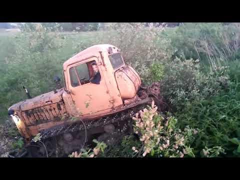 Дт-75 хулиганит по ручьям ))