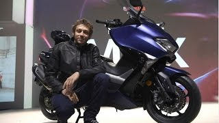 valentino rossi presents the new 2017 yamaha t max at eicma 2016