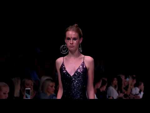 Показ Fashion.Love.Story. Mercedes-Benz Fashion Week Russia. New Year Collection 18/19.
