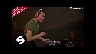 Rune RK - Calabria (Firebeatz Remix) [Tiësto Live @ Made In America Festival 2014]