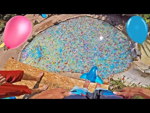 10,000 WATER BALLOONS FILL POOL!