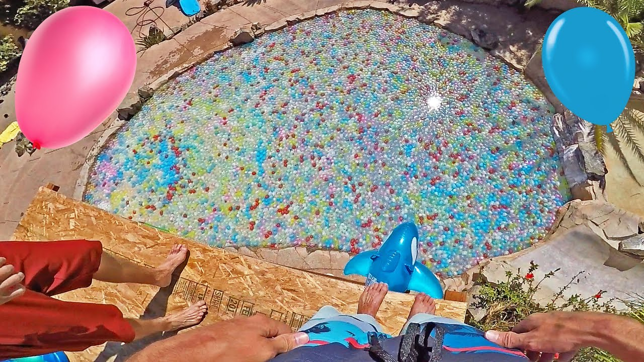 10 000 Water Balloons Fill Pool Youtube