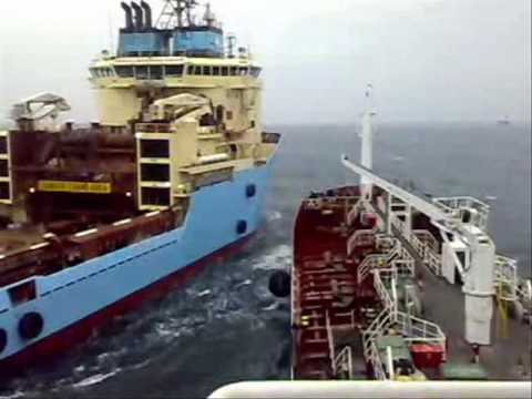 Approaching to MAERSK ADVANCER
