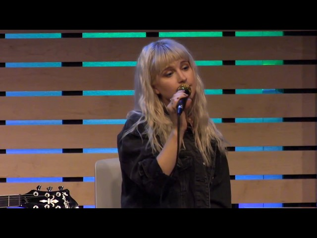 Paramore - Caught In The Middle [Live In The Sound Lounge]