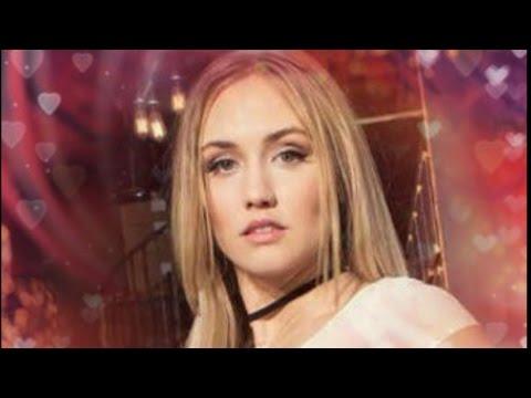 Naomi Kyle pretty woman
