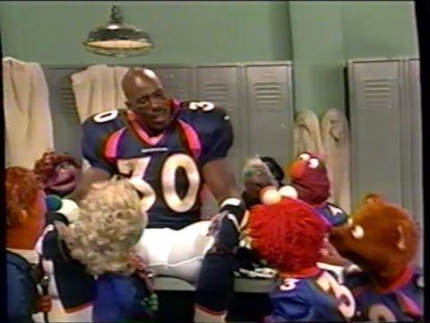 Sesame Street - Terrell Davis Says the Alphabet