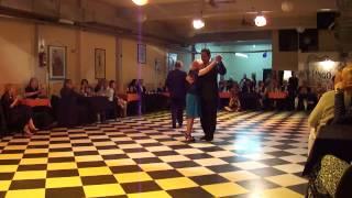 Sin Rumbo, cumple de la Chimbela, baila con los milongueros