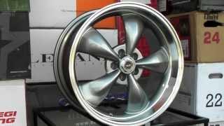 www dubsandtires com american racing torq thrust wheels ar105 105 gunmetal grey muscle car rims