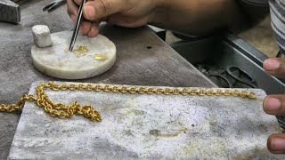 Фото Handmade Cuban Link Chain From 4 Canadian Maple Leaf Gold Coin