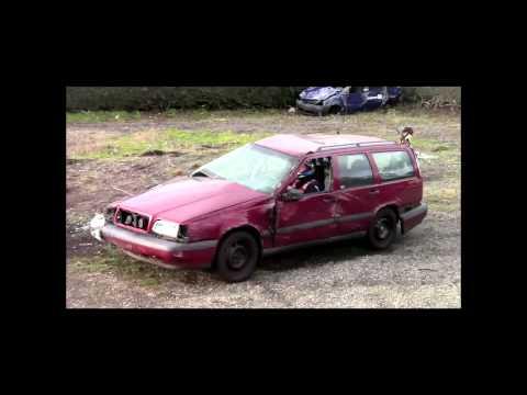 Undestructable Volvo doesnt care about crash tests/Solidna skandynawska konstrukcja