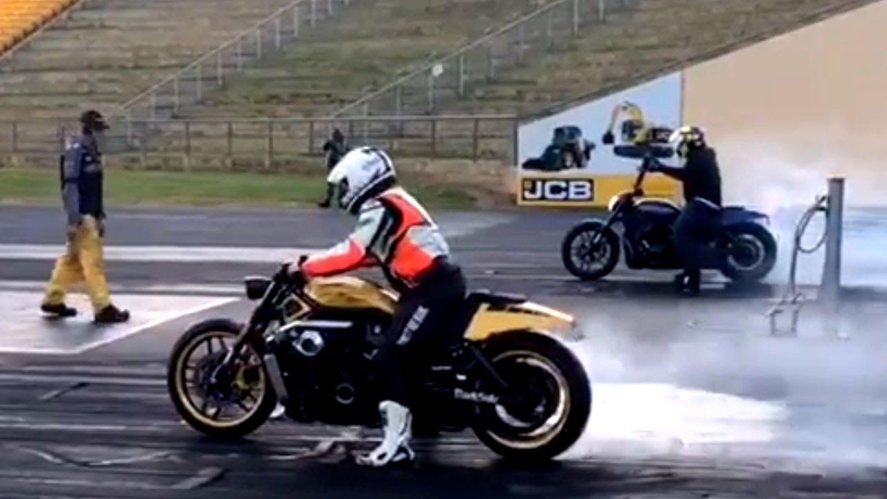 ? DRAG RACE Harley-Davidson® #VRod vs #Softail by Darkside #Custom