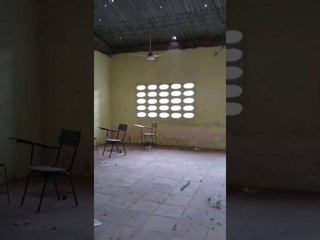 En la IED Nueva Granada improvisan sus clases mientras las instalaciones caen por pedazos