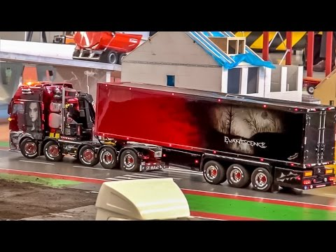 RC truck action at the Modelshow Europe! Amazing detailed R/C trucks!