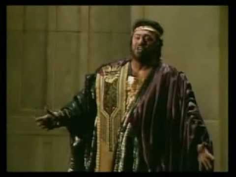 Celeste Aida - Luciano Pavarotti (from Verdi's Aida)