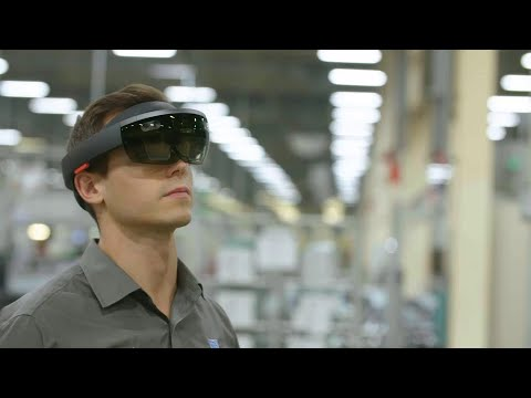 Smart factory with Microsoft HoloLens
