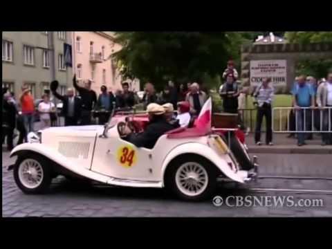 Antique car race