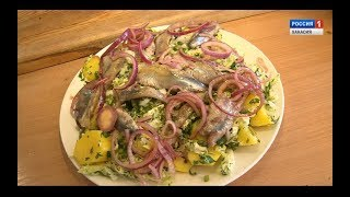 Муж на кухне. Русский салат из сельди иваси с картофелем, капустой и маринованным луком.