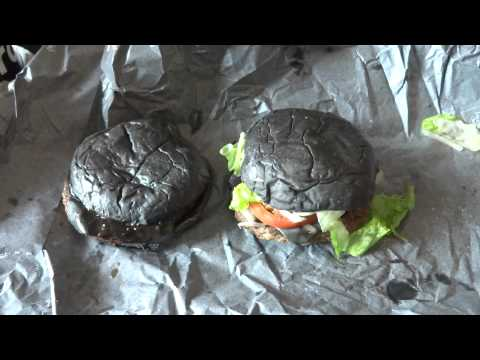 Japanese Foods: Burger King Kuro Diamond/Pearl Black Burger Tasting 9/19