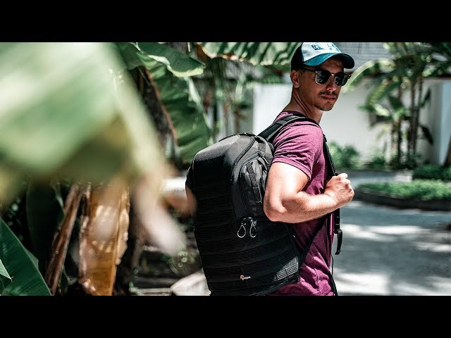 WHAT'S IN MY TRAVEL BACKPACK FOR 2019 [4K]