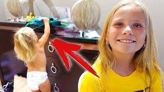 У Алисы ТЕМПЕРАТУРА 🌡️/ Николь нарастила ногти 💅/ Последний День в Школе / Ночной Бассейн