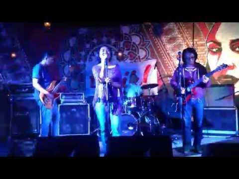 Klarinet - Pergi Ke Bulan (Live at Tabik! #12)