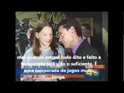 Entrevista de Axl Rose, 2001 NBA Finals, com legenda.
