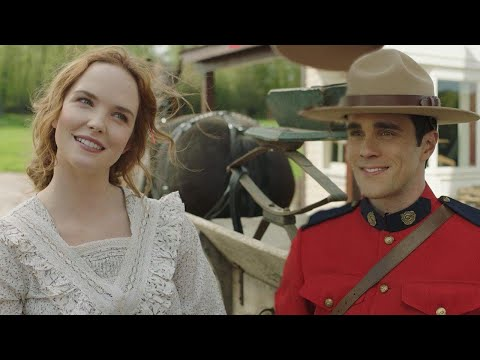 When Hope Calls: Mountie Gabriel Is the ULTIMATE Gentleman While He Flirts With Lillian! (Exclu