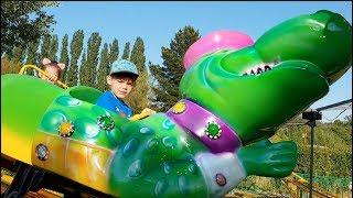 Kids Fun Ride on the Rollercoaster Alligator