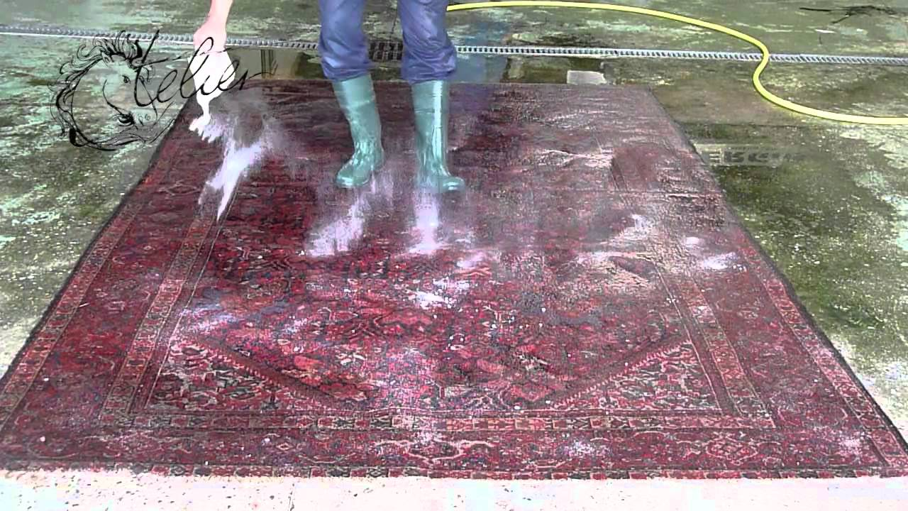 Lavage Traditionnel Du Tapis Http Ateliertapis Com Youtube