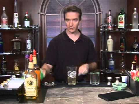 How to Make the Viva Villa Mixed Drink