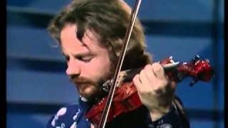 Mahavishnu Orchestra Montreux 1974 John Mclaughlin (guitar) & Jean-...