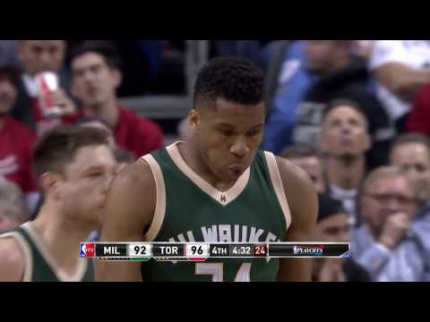 Giannis Antetokounmpo and DeMar DeRozan Duel it out in Toronto! | April 18, 2017