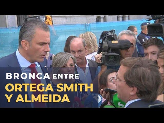 Rifirrafe entre Martínez Almeida y Ortega Smith por la pancartas contra la violencia de género