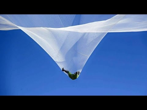 Heaven Sent: Skydiver Luke Aikins jumps 25000 feet without parachute