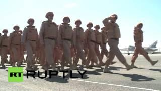 """مطار """"حميميم"""" في اللاذقية يشهد عرضا عسكريا بعيد النصر"""