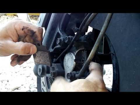 Changer ses plaquettes de freins SYM GTS 125 - 300