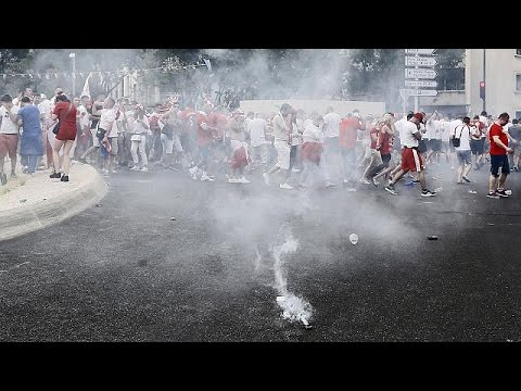 Police break up fights between Polish football fans in Marseille