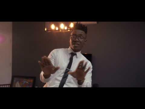 Justino Ubakka - Ele Não Te Merece (Official Video)