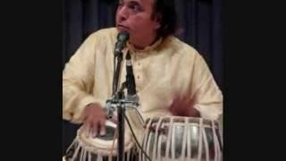 Pandit Suresh Talwalkar speaking about Dr. Prabha Atre (marathi).wmv