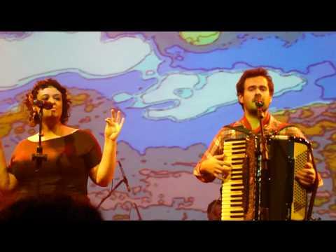 Tulipa Ruiz e Marcelo Jeneci - Sabiá