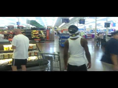 Mike Da Kidd at Wal Mart w/ Sick Made Money Hungry