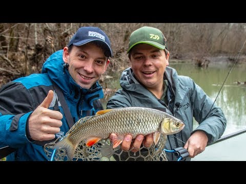 Чуть не сломал НОГУ на рыбалке. Глухозимье в Краснодаре! Зимняя рыбалка на воблеры. Ловля голавля.